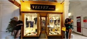 Velvet Dessous